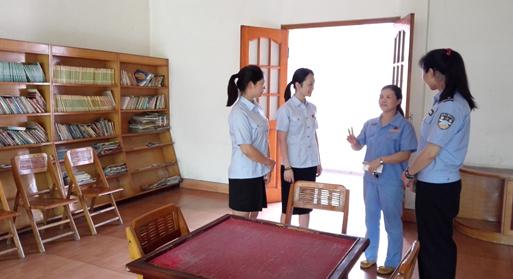 醴陵:团委志愿服务队赴老年公寓看望老人