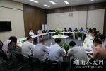 韩永文:认真当好参谋助手 提供优质高效服务 以优异成绩迎接十九大胜利召开 - 人大常委会办公厅