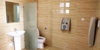 """湖南高速""""厕所革命""""厕位灵活分格 如厕分颜色引导 - 湖南新闻网"""