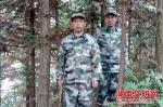 王黑子(左)。图片来源:湖南文明网 - 新浪湖南